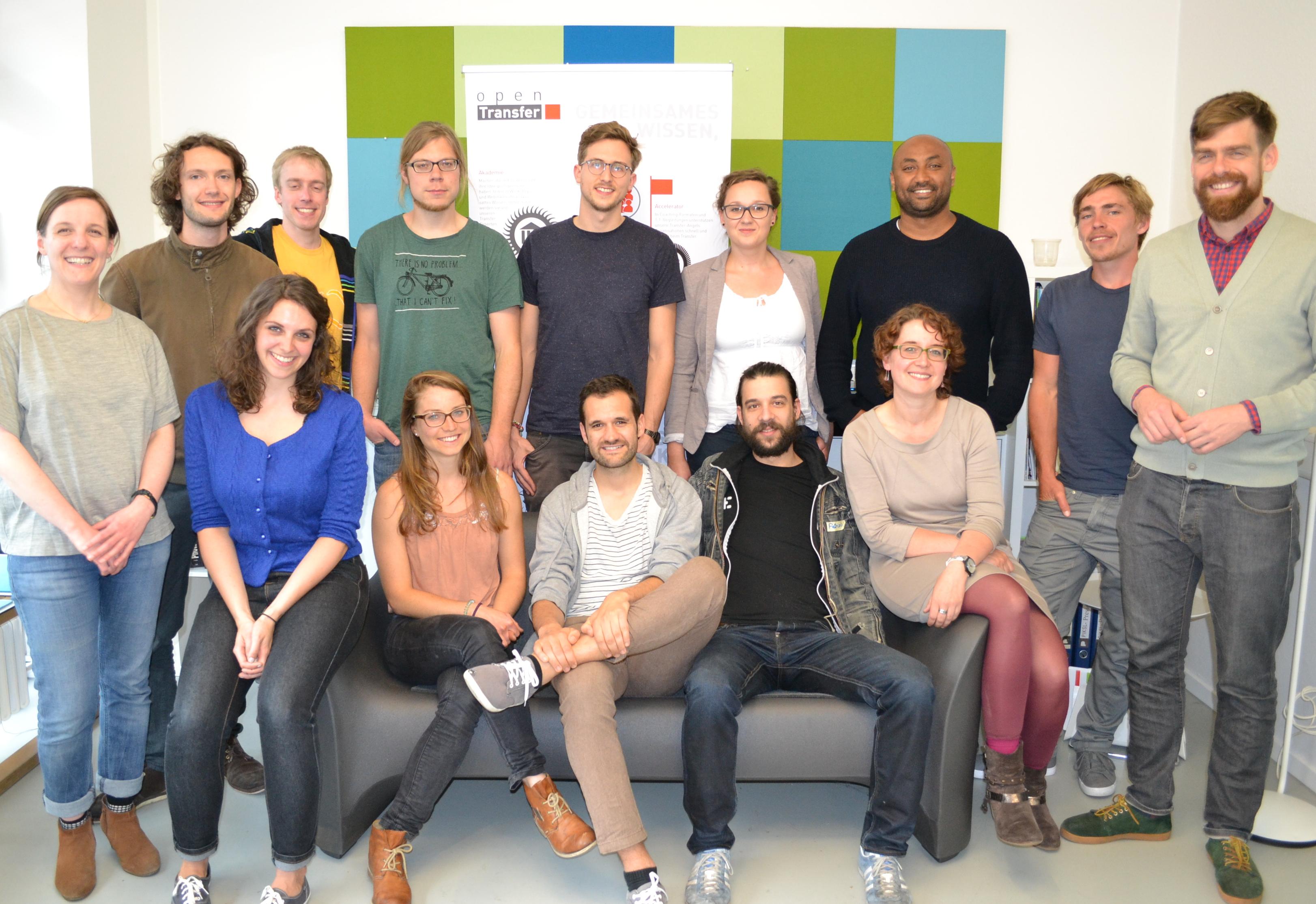 Gruppenfoto der Stipendiaten des openTransfer #Ankommen Stipendiums